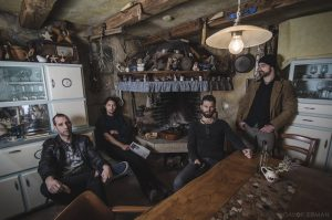 Low Peak Charlie se vračajo z novim albumom – ČAS DISKET JE POZABLJEN