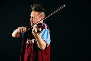 Nigel Kennedy – Violinski virtuoz prvič prihaja v Slovenijo