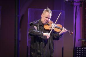 Nigel Kennedy – Koncertna poslastica z raznovrstnim repertoarjem enega najboljših violinistov vseh časov