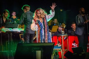 Sam's Fever navdušili mednarodno občinstvo – Nastopili ob glavni zvezdi Darlene Love na nemškem European Elvis Festival