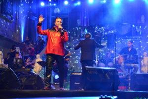 Blisk in grom na koncertu v čast kralju rock'n'rolla