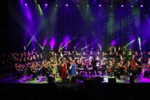 Preplet ženskih glasbenih zgodb v simfonični ekstazi